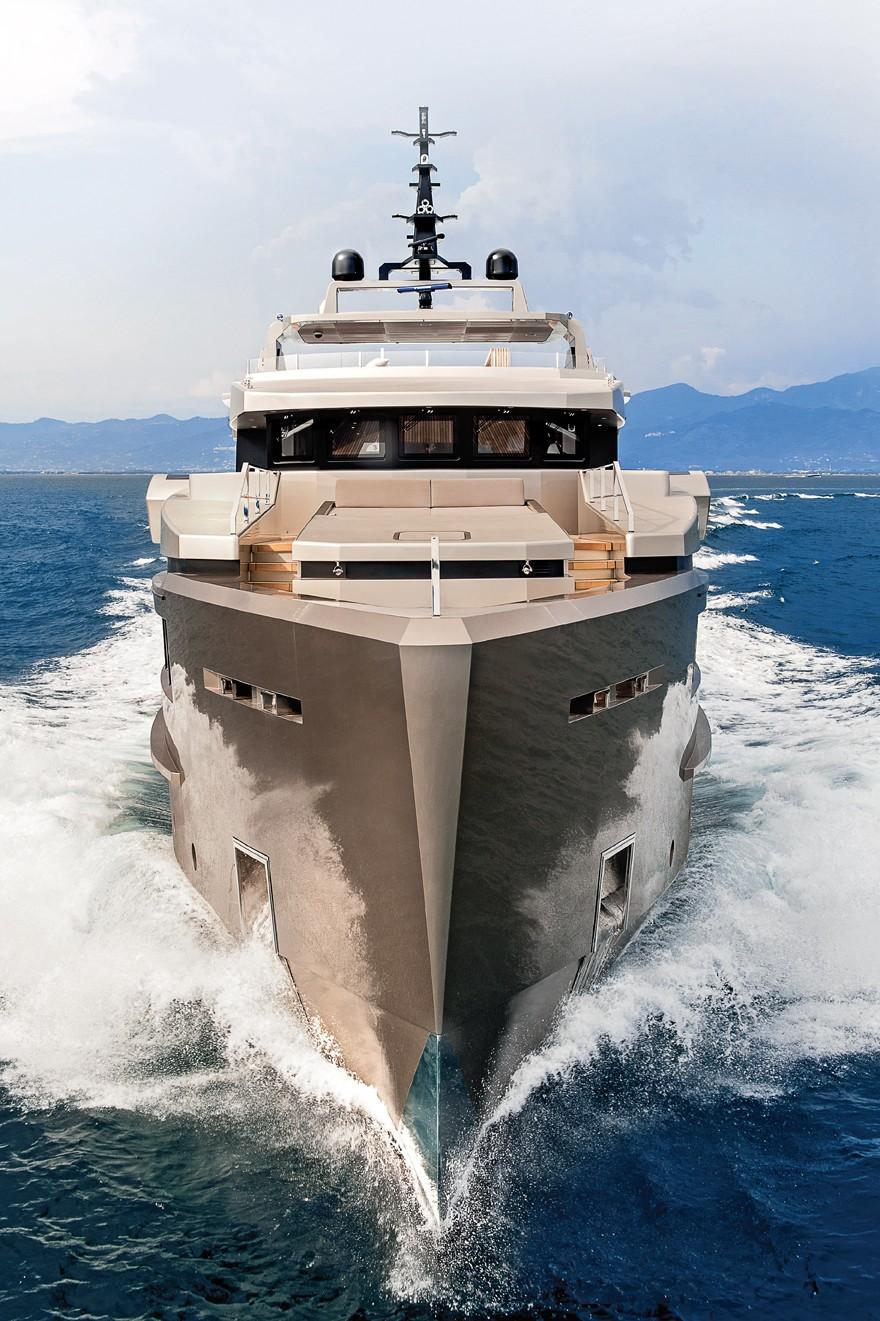 Luxury Yacht Engine Room: GIRAUD Yacht Charter Details, Admiral Tecnomar